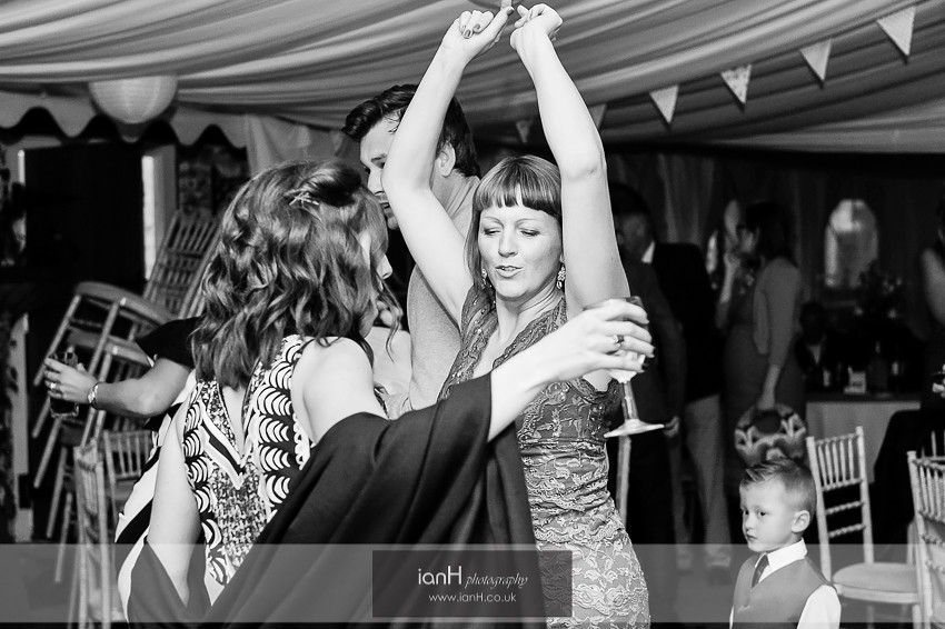 Dancing at Lyndhurst wedding