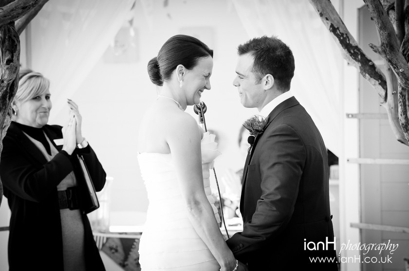 Bournemouth_wedding_photographer_Bride_and_Groom_married_on_Bournemouth_beach