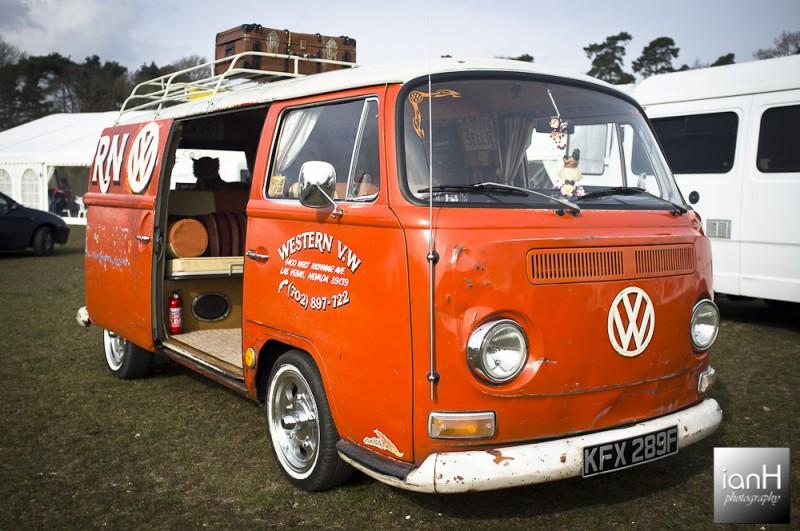 Cool_VW_Van_at_the_Dorset_Wedding_Festival