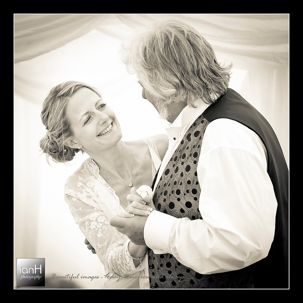 beach-weddings-bournemouth-father's-dance