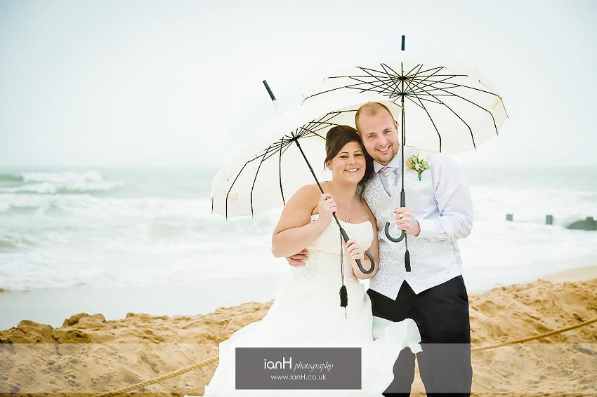 Beach wedding anniversary - Caroline & Kevin