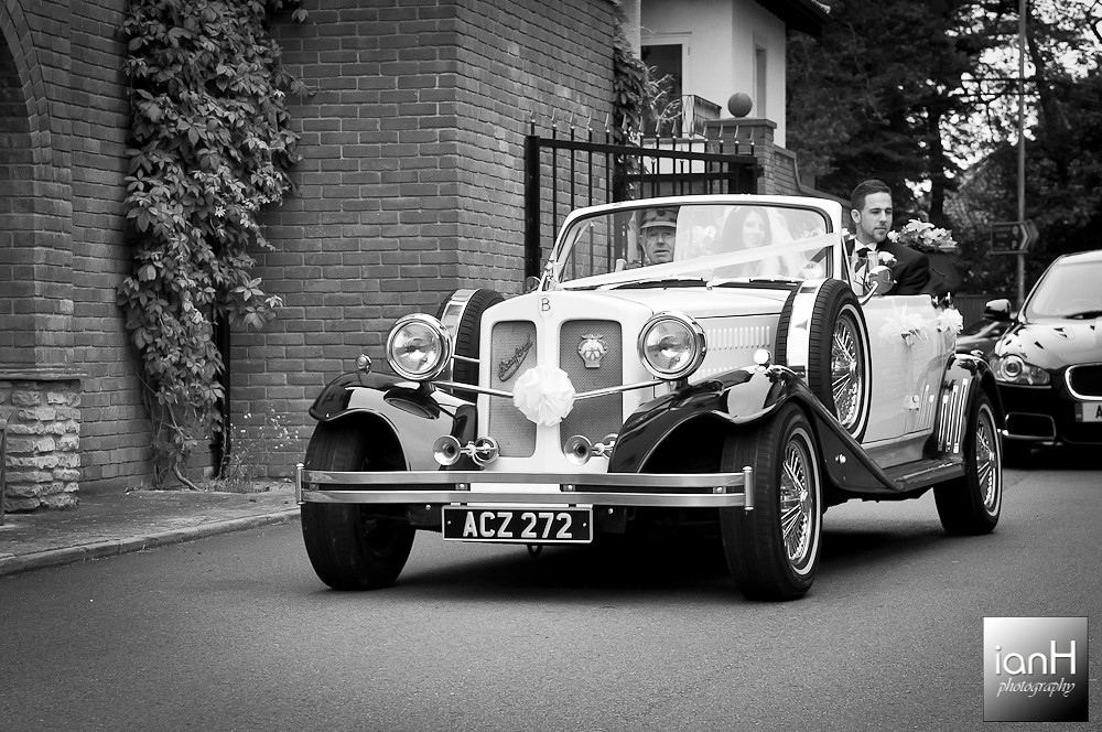 poole-wedding-of-emma-jayne-and-rob-at-compton-acres