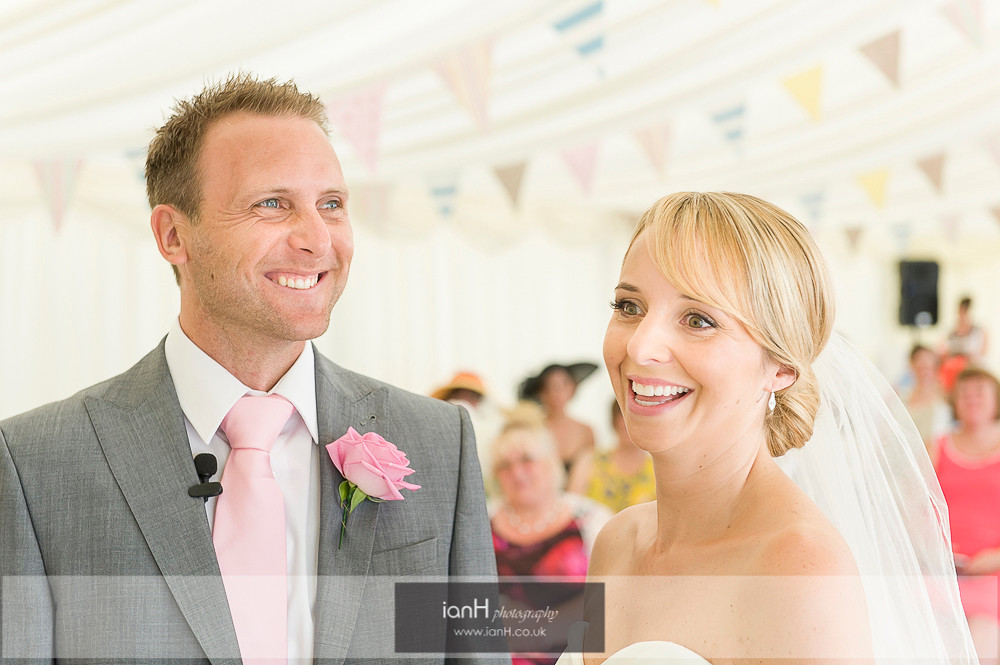 Bride and Grrom at Bournemouth beach wedding