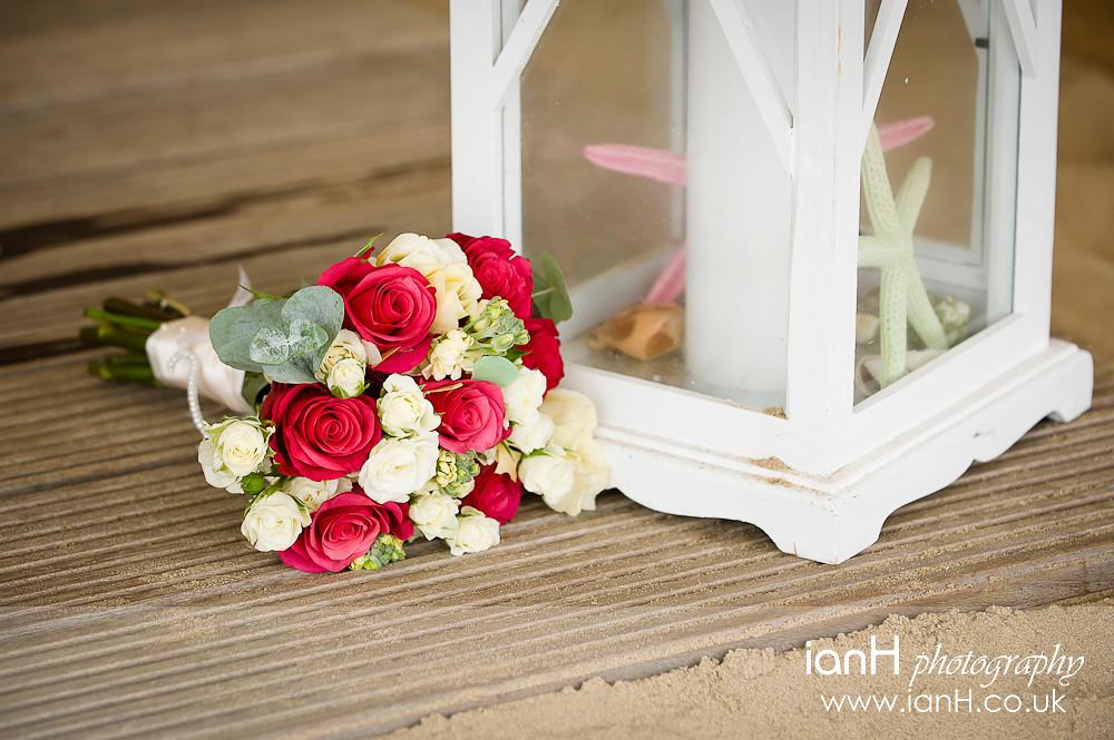 Bridal_bouquet_at_Bournemouth_beach_wedding