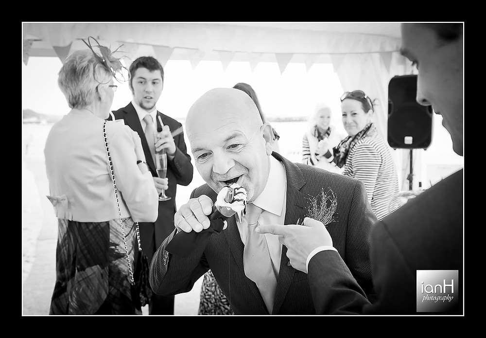 Beach Weddings Bournemouth - ice cream mayhem as it melts