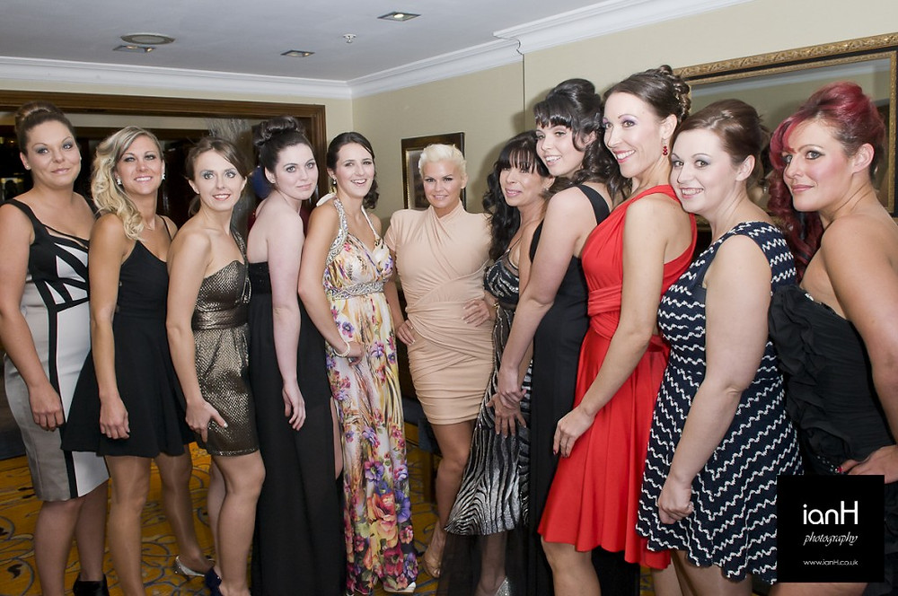 Dorset_event_photographer_models_lining_up_at_the_Marriott_Highcliffe