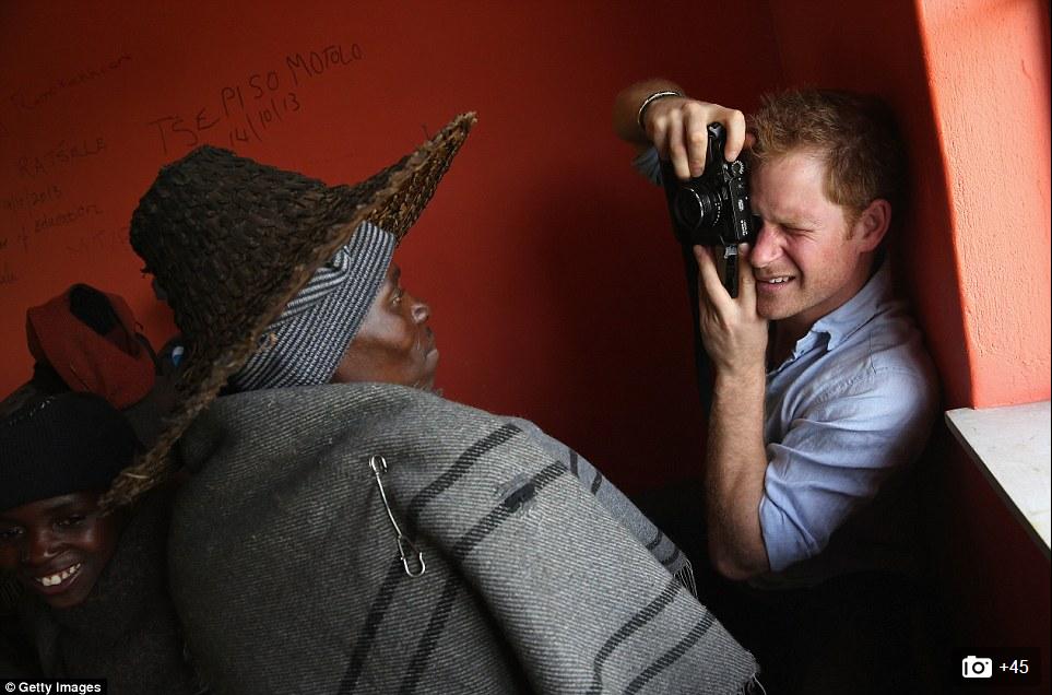 Prince Harry uses Fuji X100 - 1