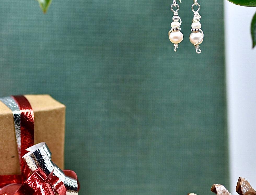 Sweet Pearl Swirl Earrings