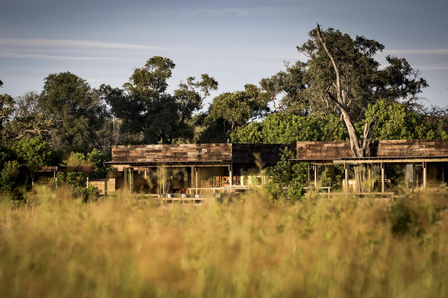 VumburaCamp-Botswana-CrookesAndJackson-2