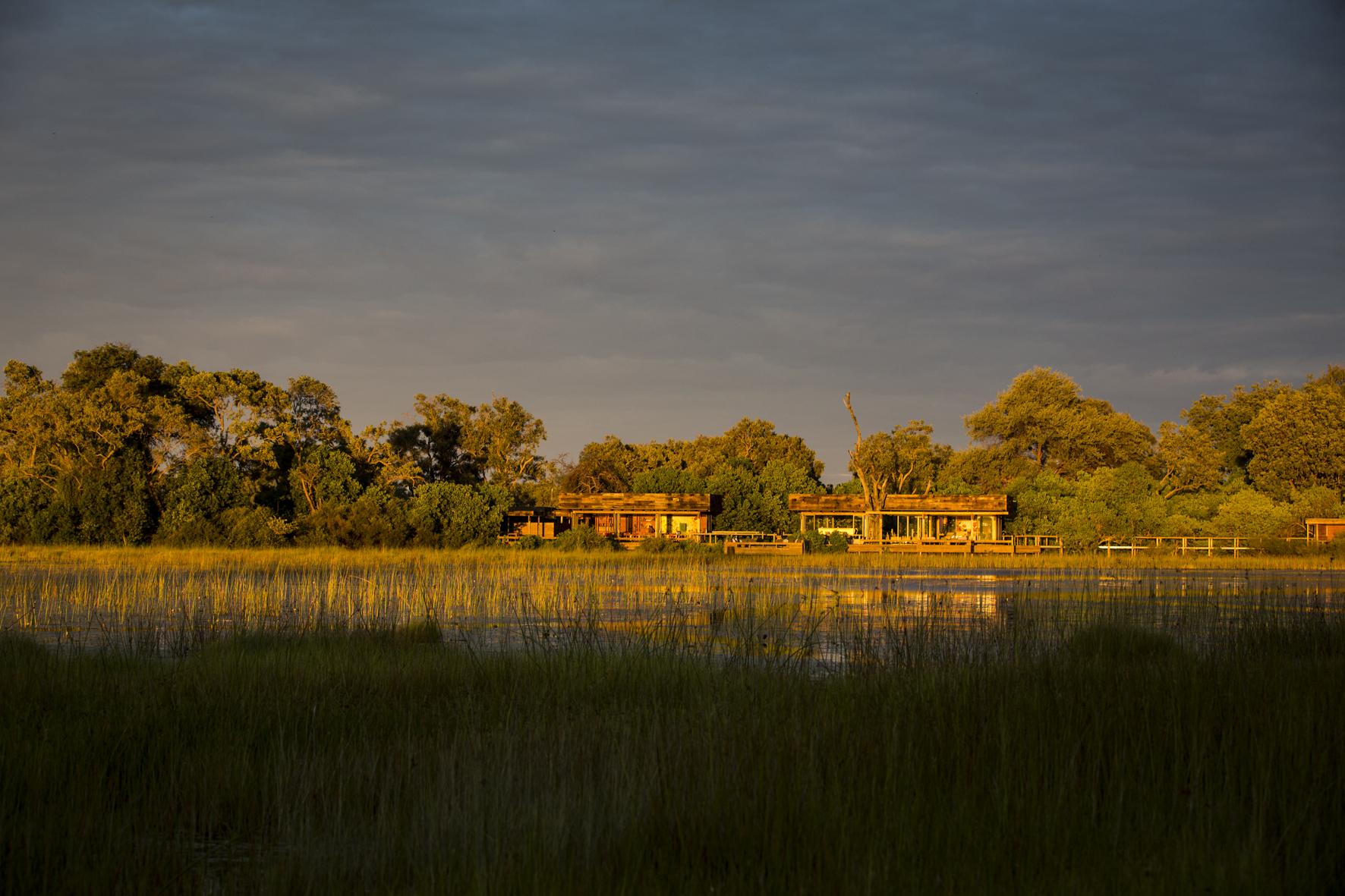 VumburaCamp-Botswana-CrookesAndJackson-7332