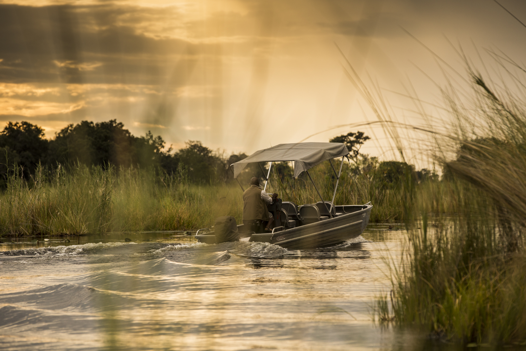 VumburaCamp-Botswana-CrookesAndJackson-7068