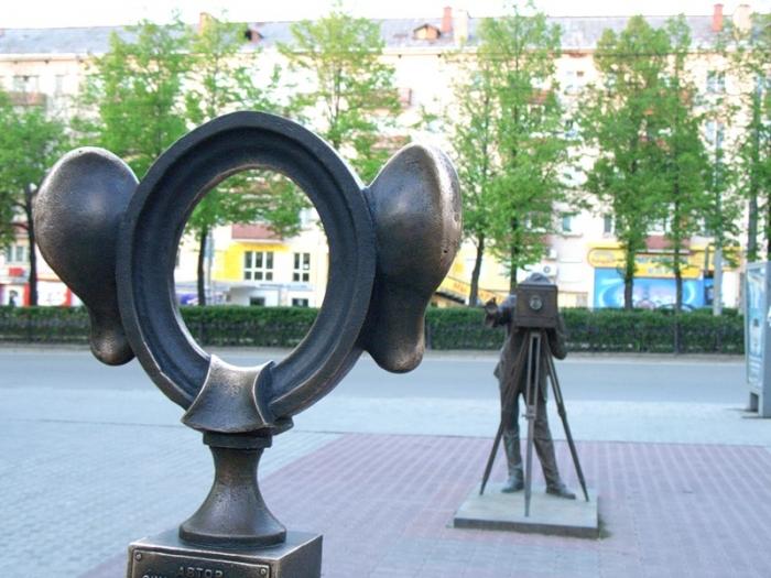 Скульптура «Пермяк – соленые уши». О