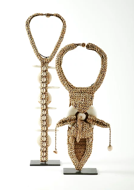 PAPUA NEW GUINEA NECKLACE MOUNTED ON METAL STAND
