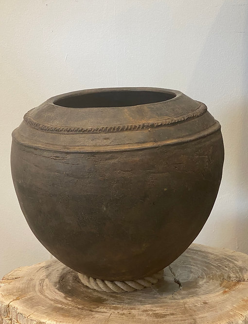 AFRICAN CLAY POTTERY