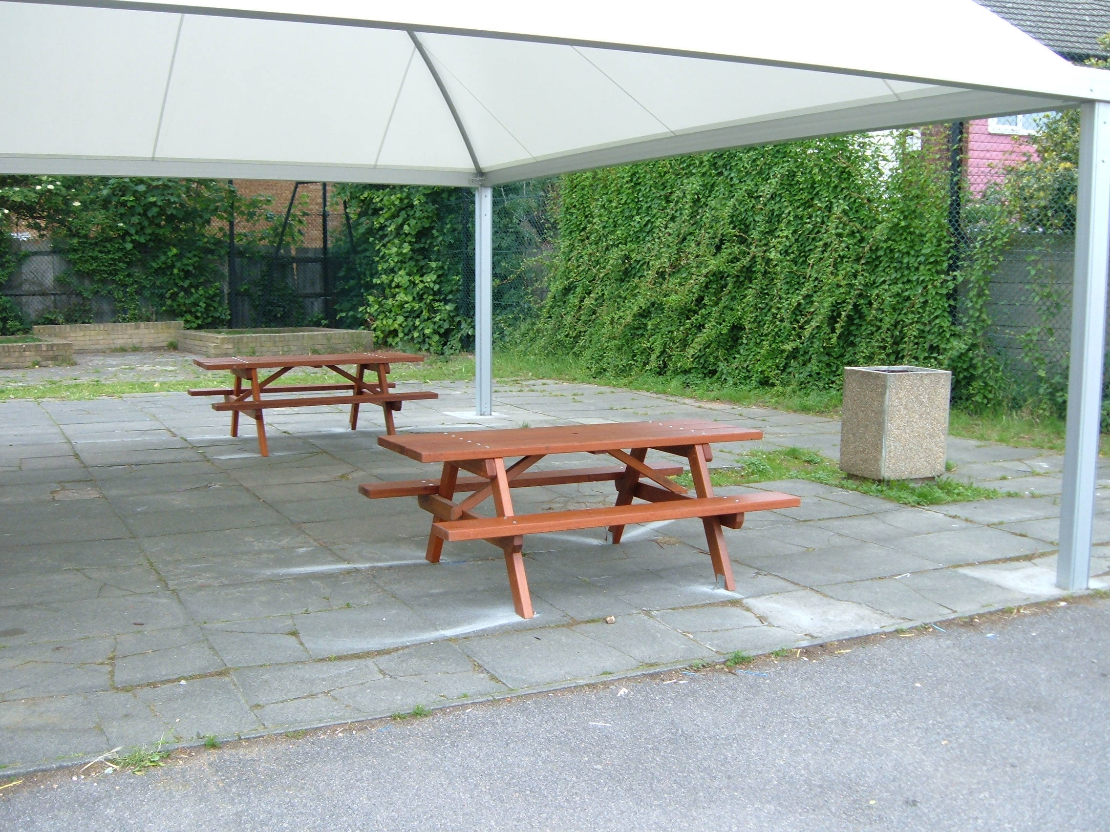 Woodland Picnic Table (2)