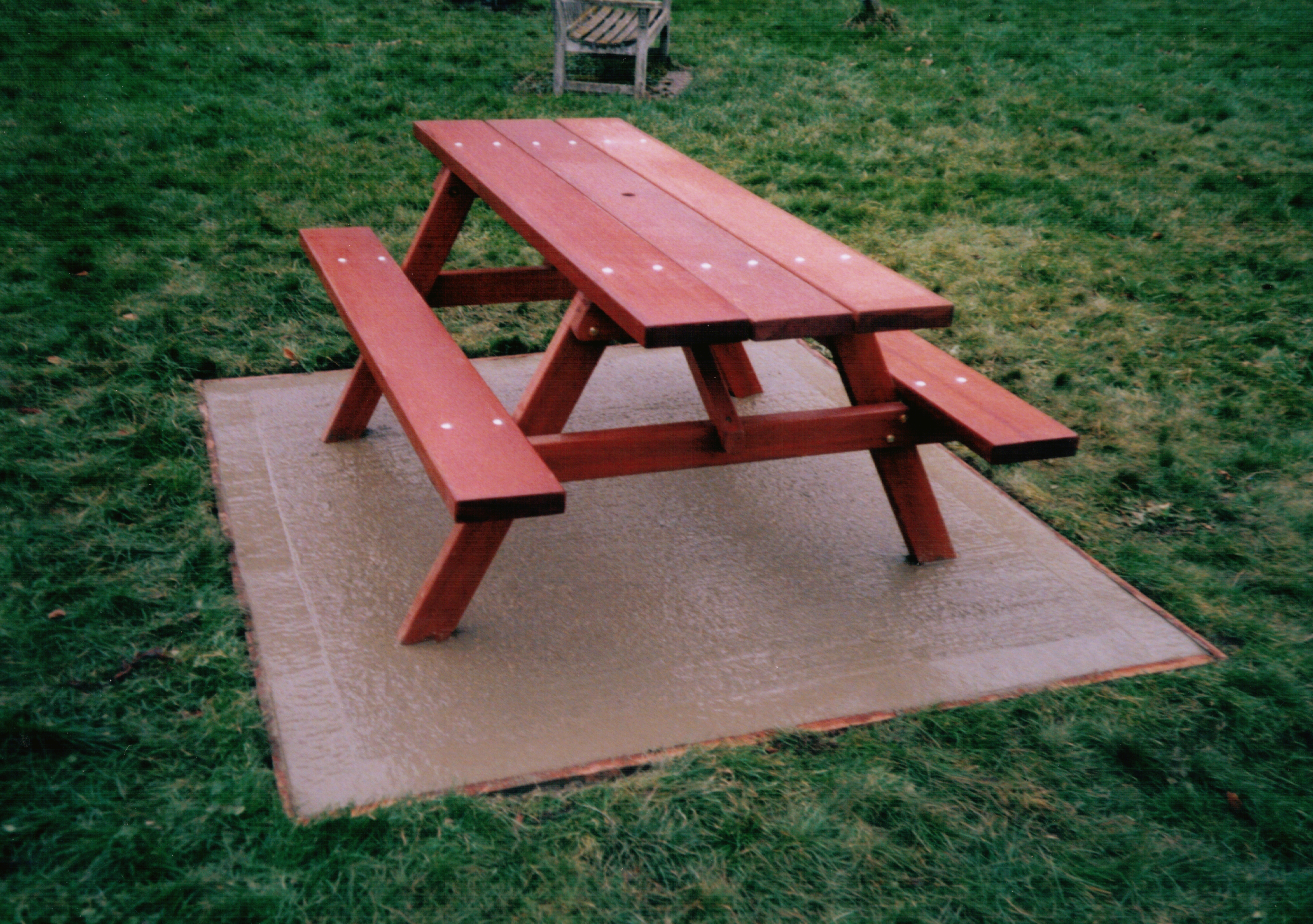 Woodland Picnic Table (5)