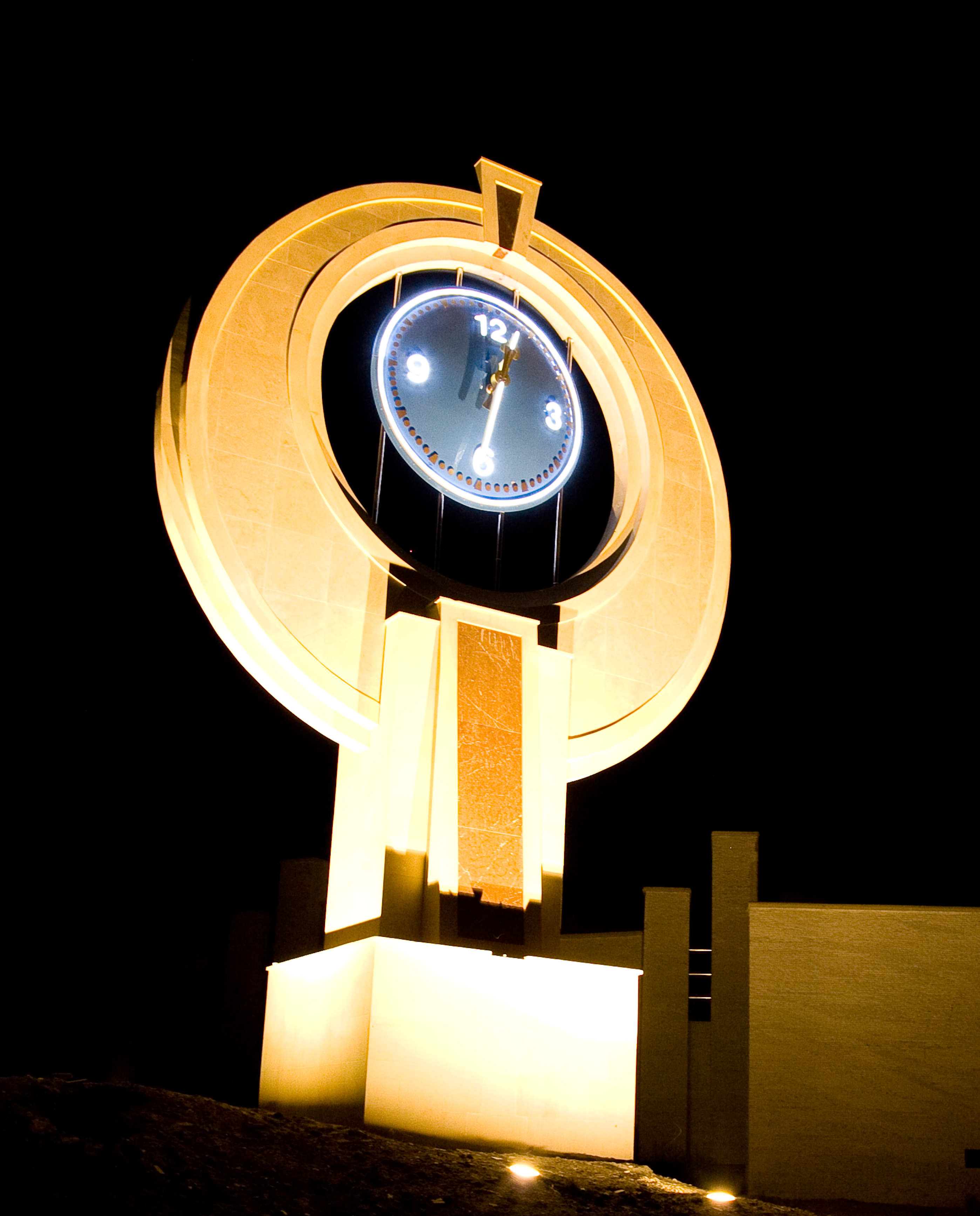 Large exterior clock illuminated