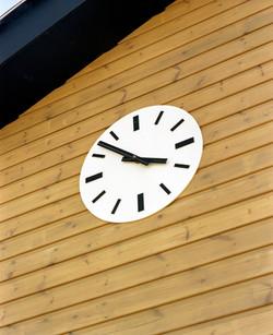 Flat acrylic clock