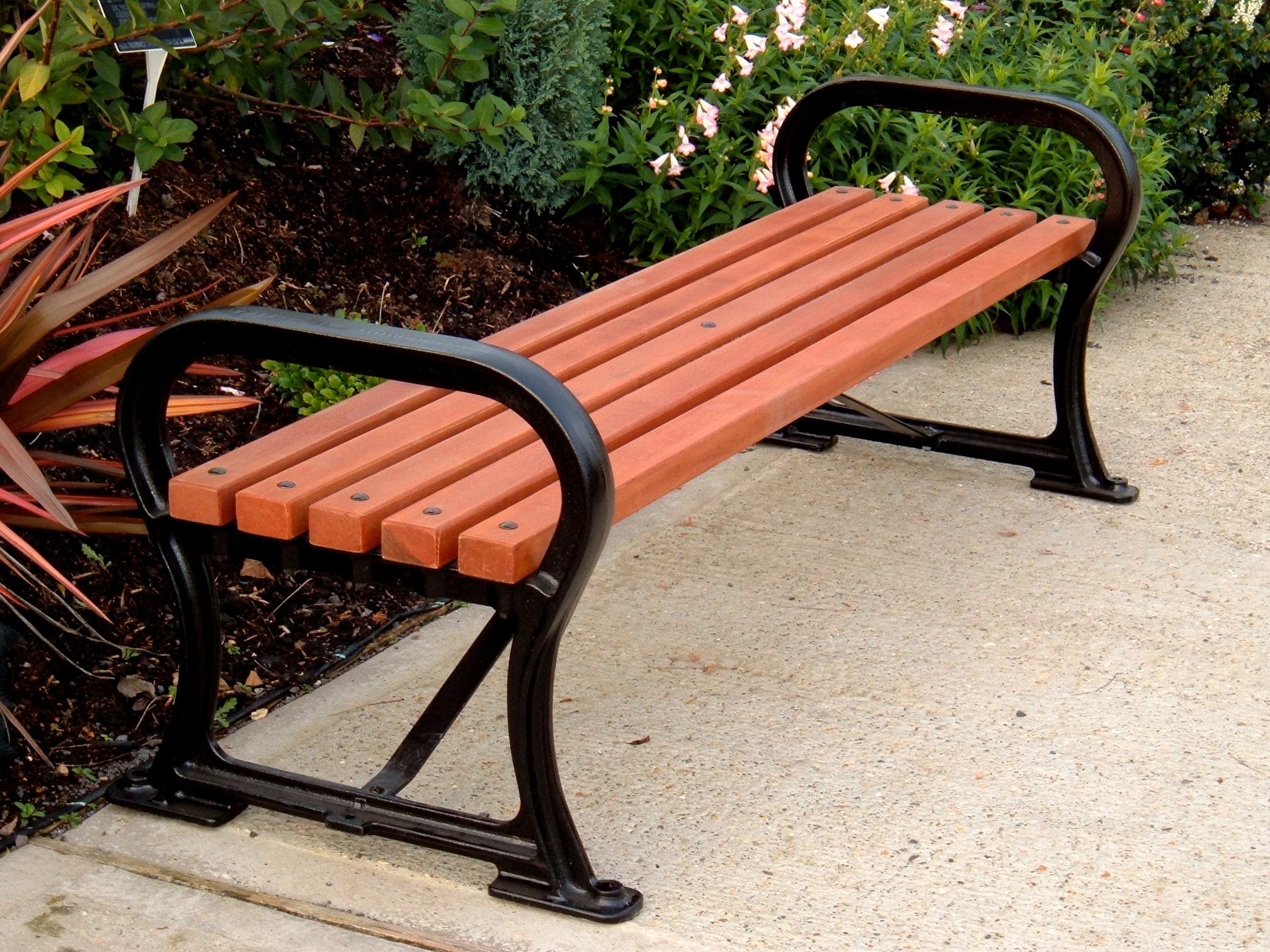 Avenue Bench