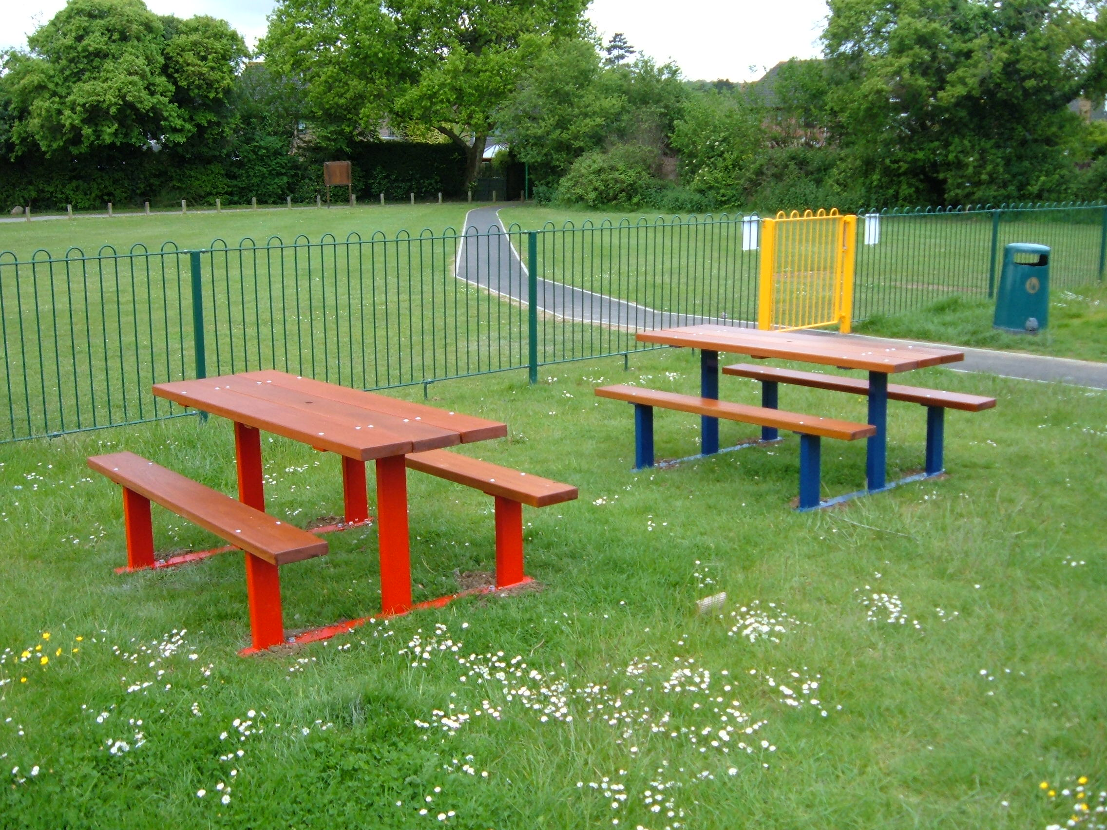 Beaufort Picnic Table (5)