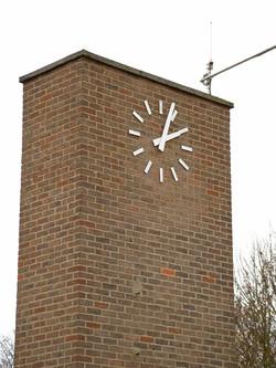 Large individual chapter clock