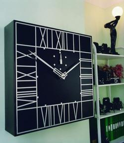 Mackintosh inspired clock