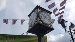 Pillar clock