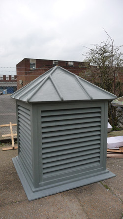 Coloured roof turret