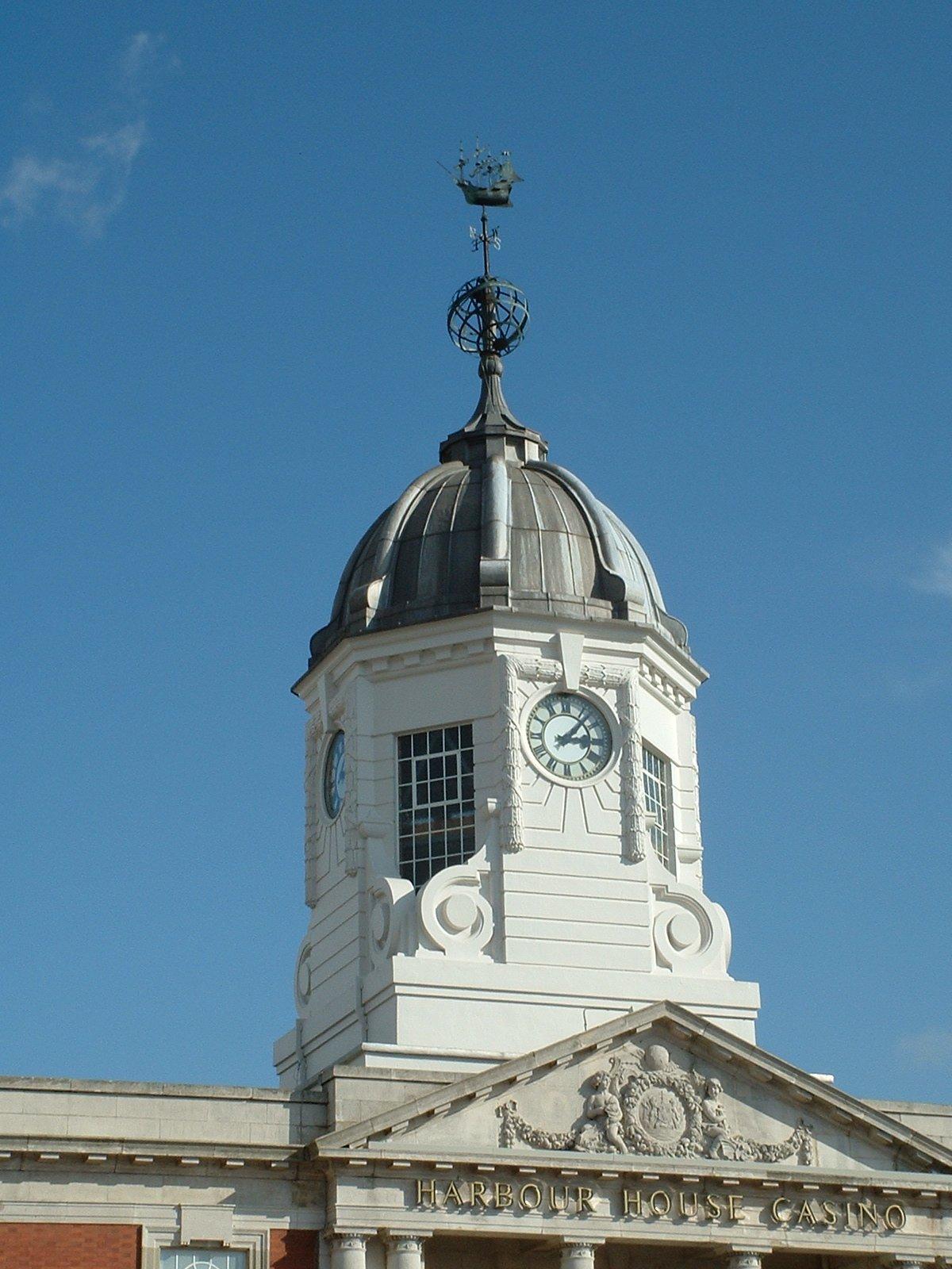 Skeleton clocks in cupola