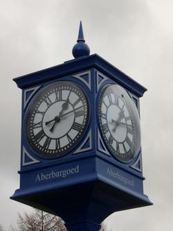 Signage pillar clock