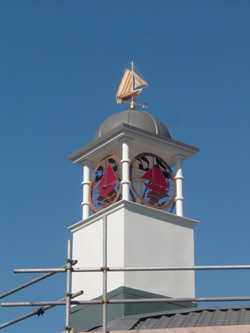 Roof turret for shopping centre