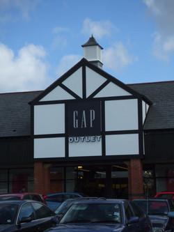 Large cupolas for retail parks