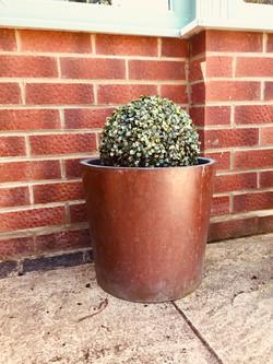 Round copper planter