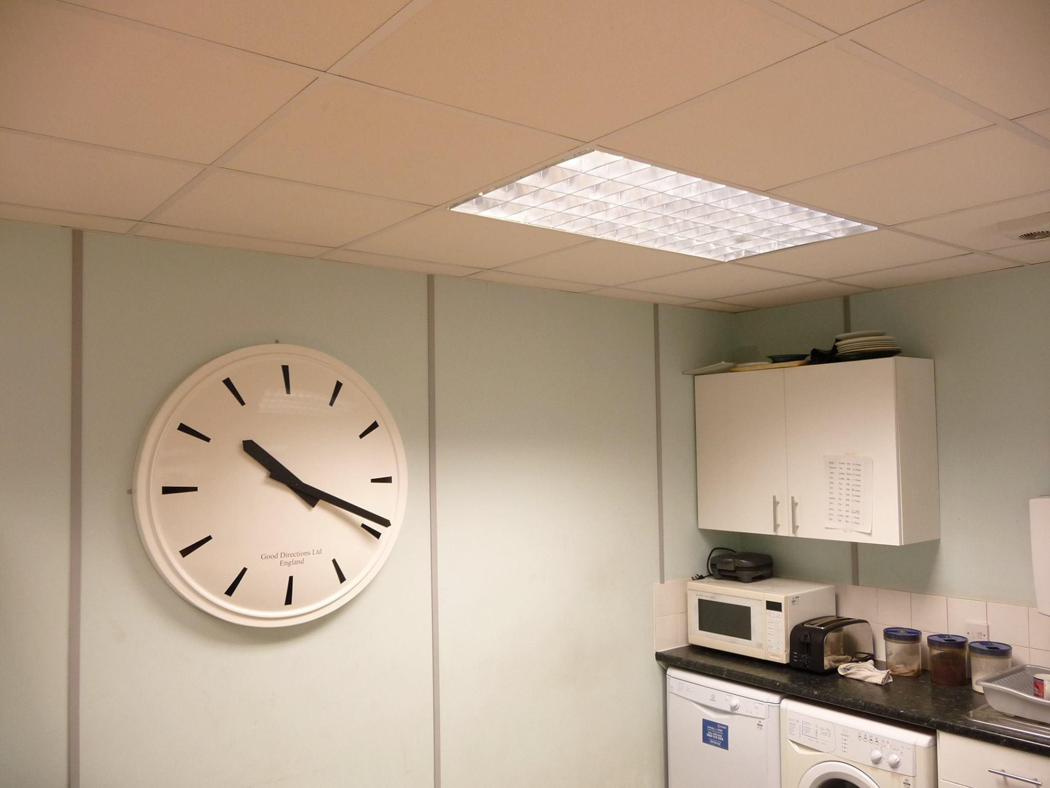 Bespoke return edge clock