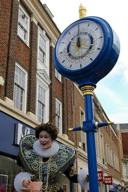 Sponsored pillar clock