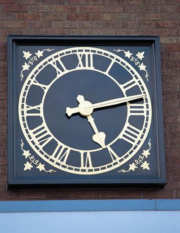 Skeleton bezel clock