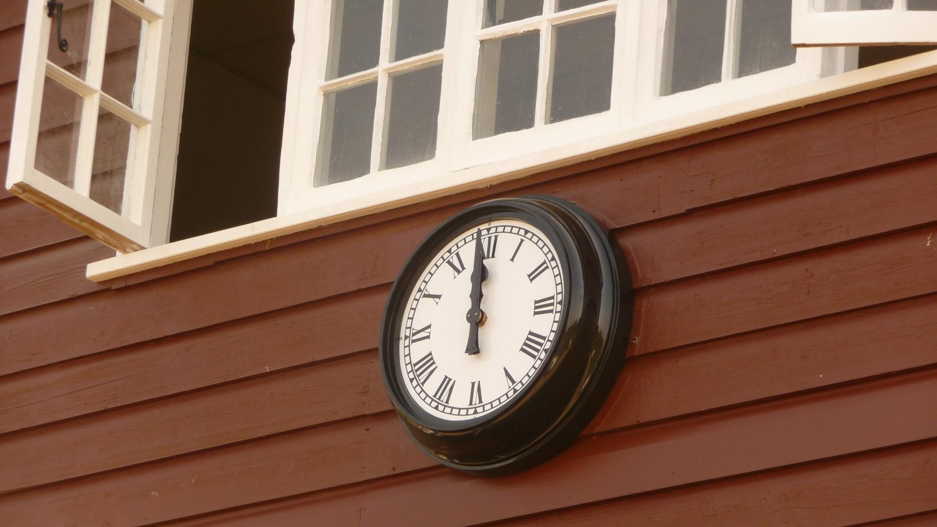 Cheltenham College boathouse clock
