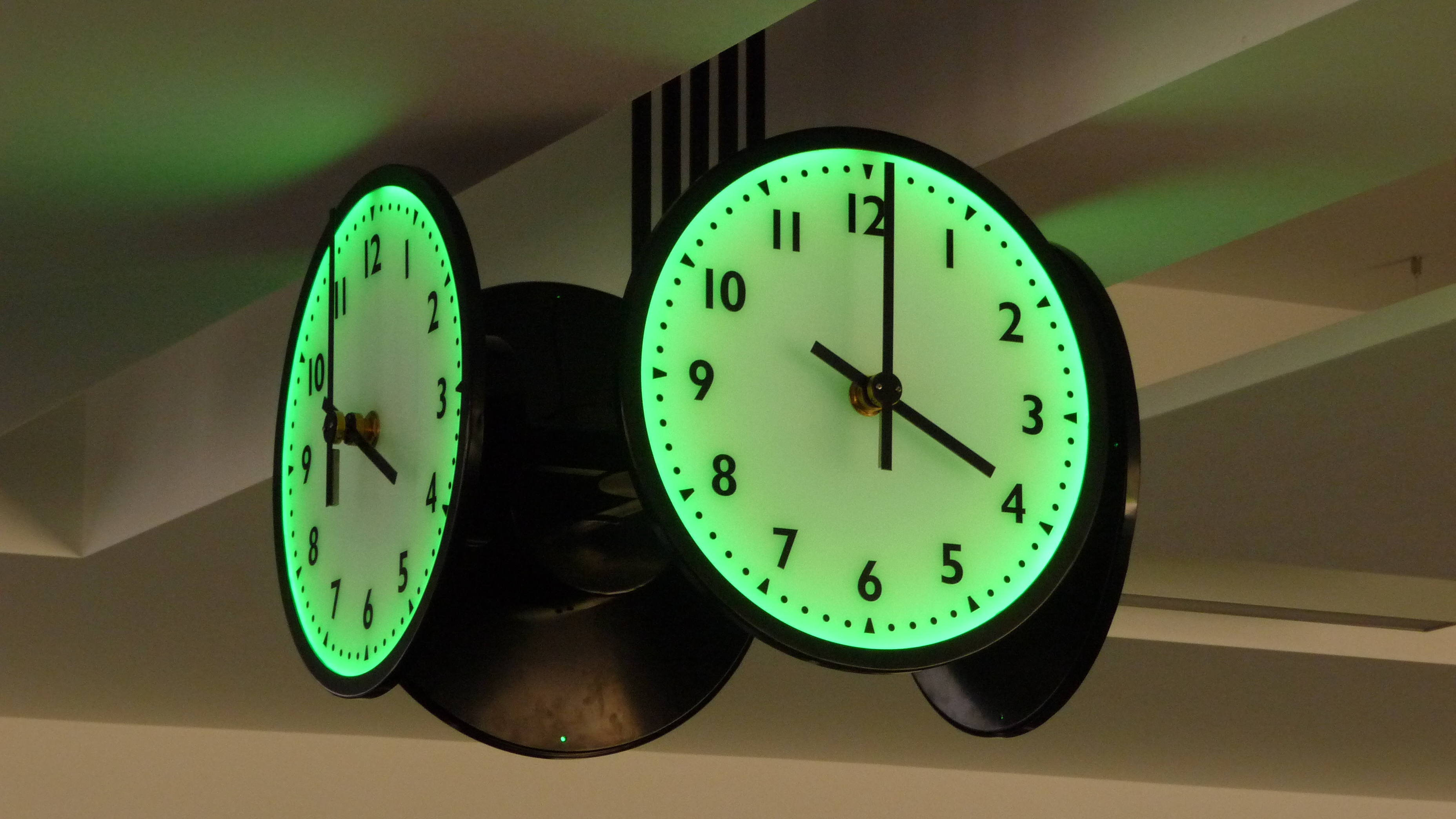 LED colour changing clocks
