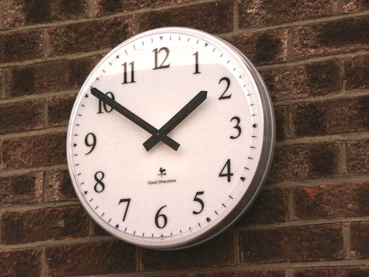 Clock with Arabic numerals