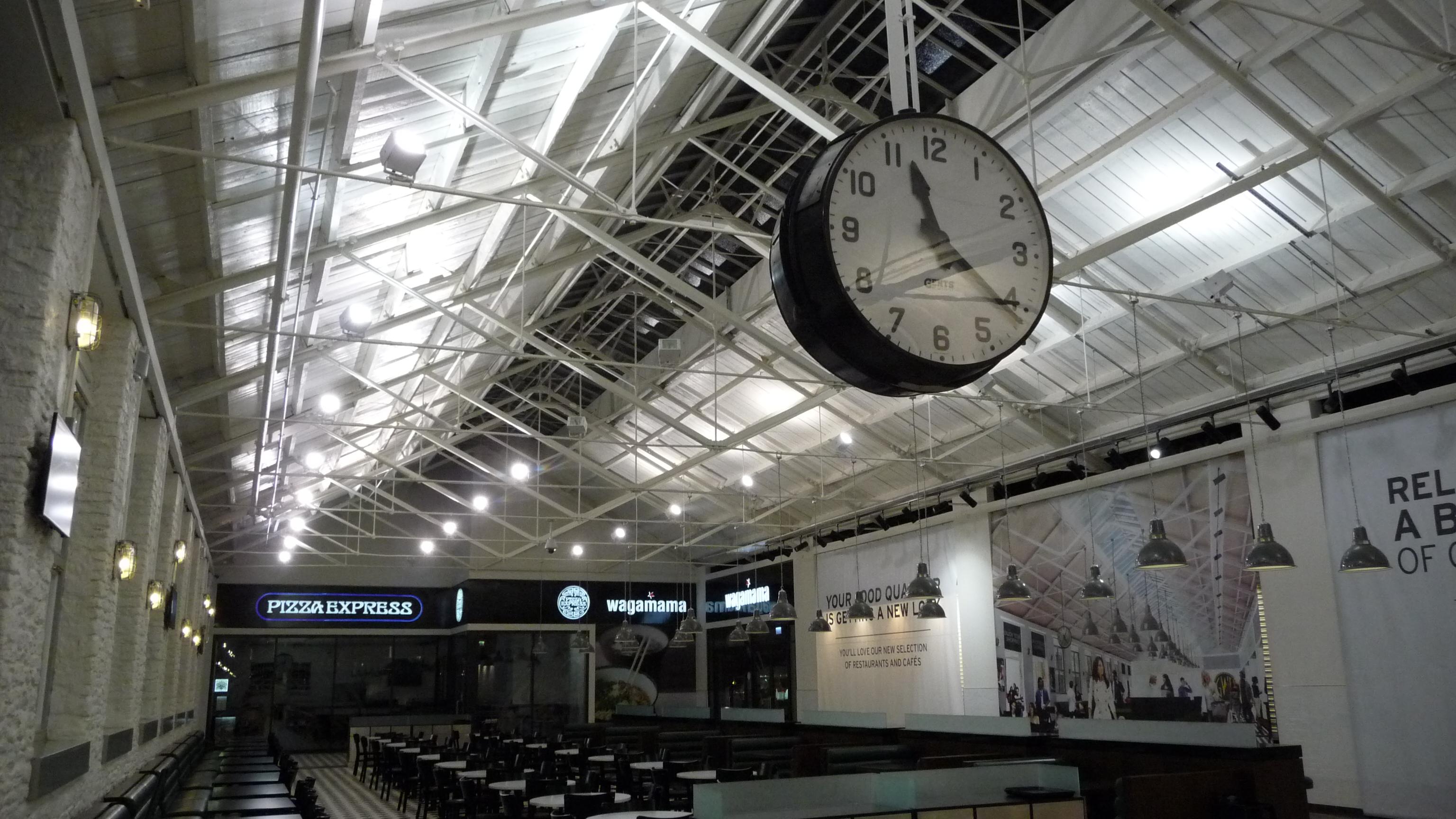 Large indoor clock