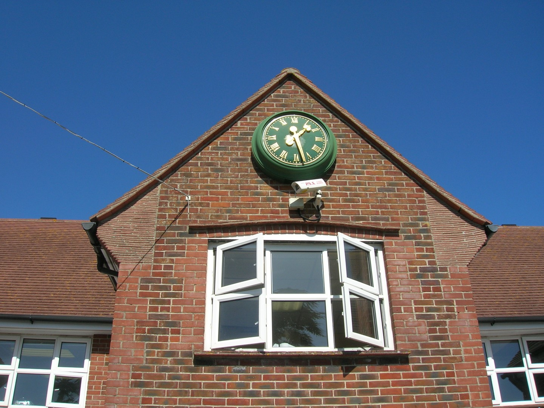 Bezel clock on college