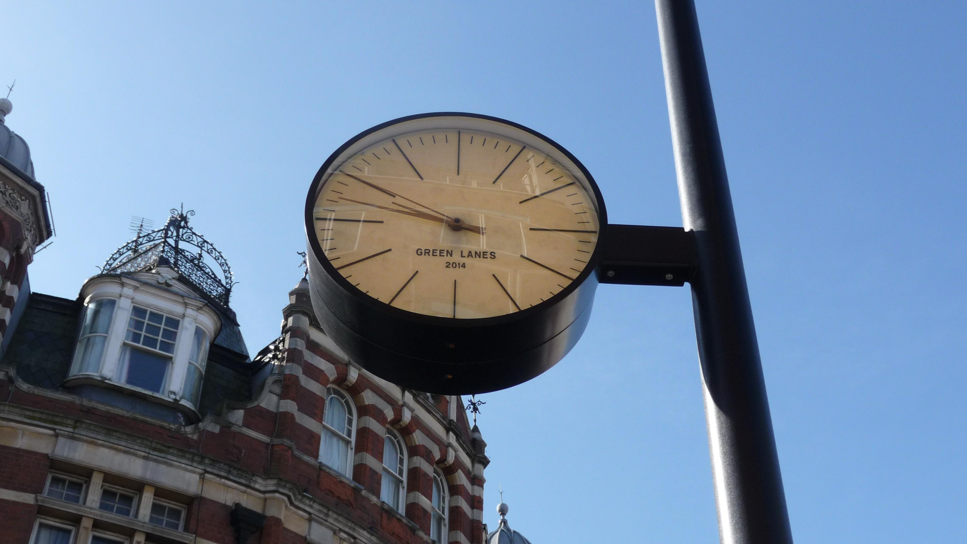 Public drum clock