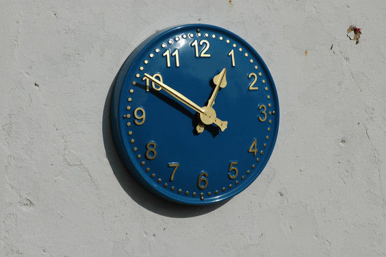 Large clocks for schools
