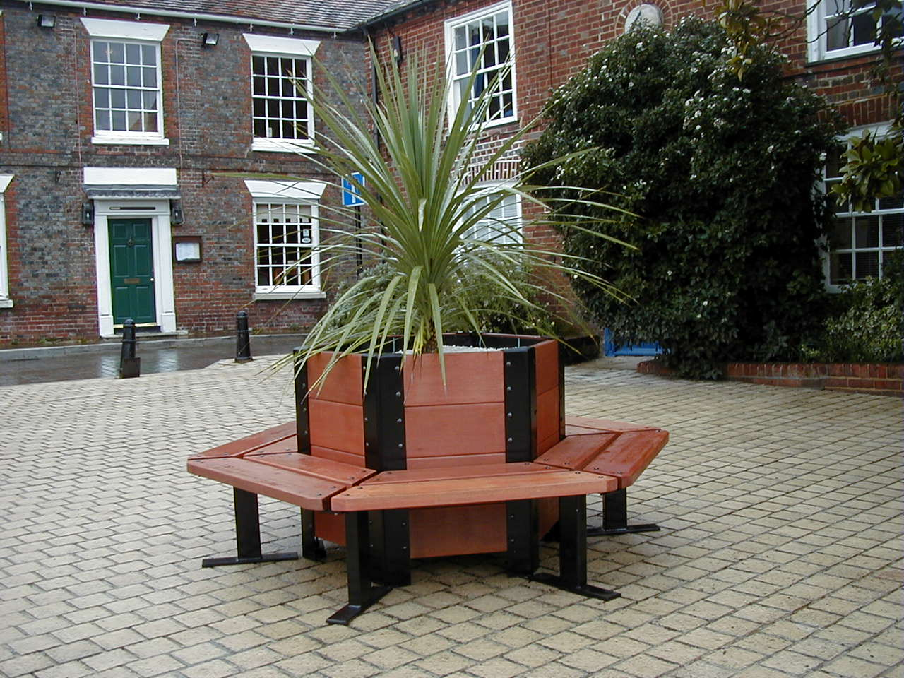 Bespoke Seat with Planter