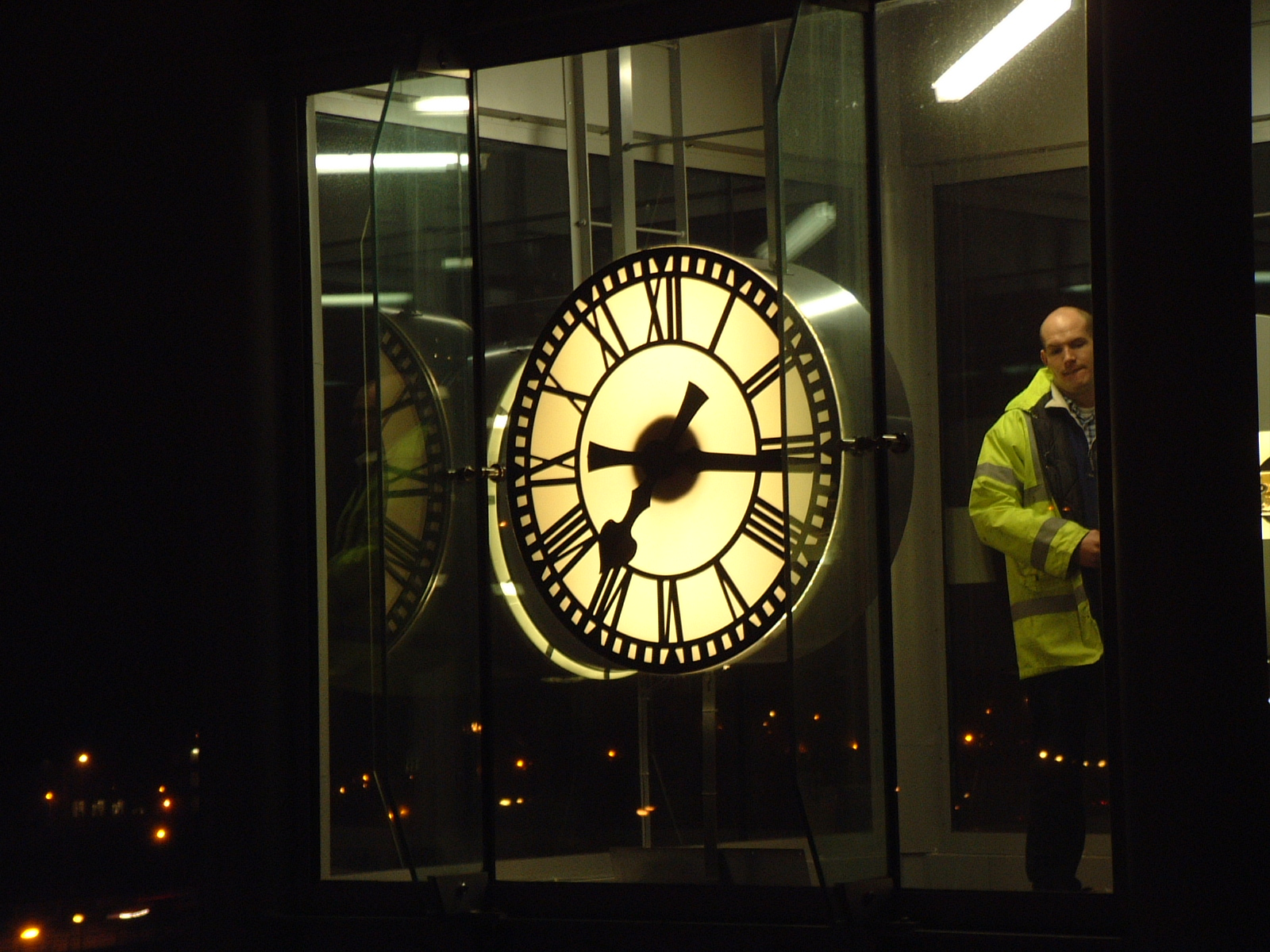 Skeleton clocks on a lift shaft