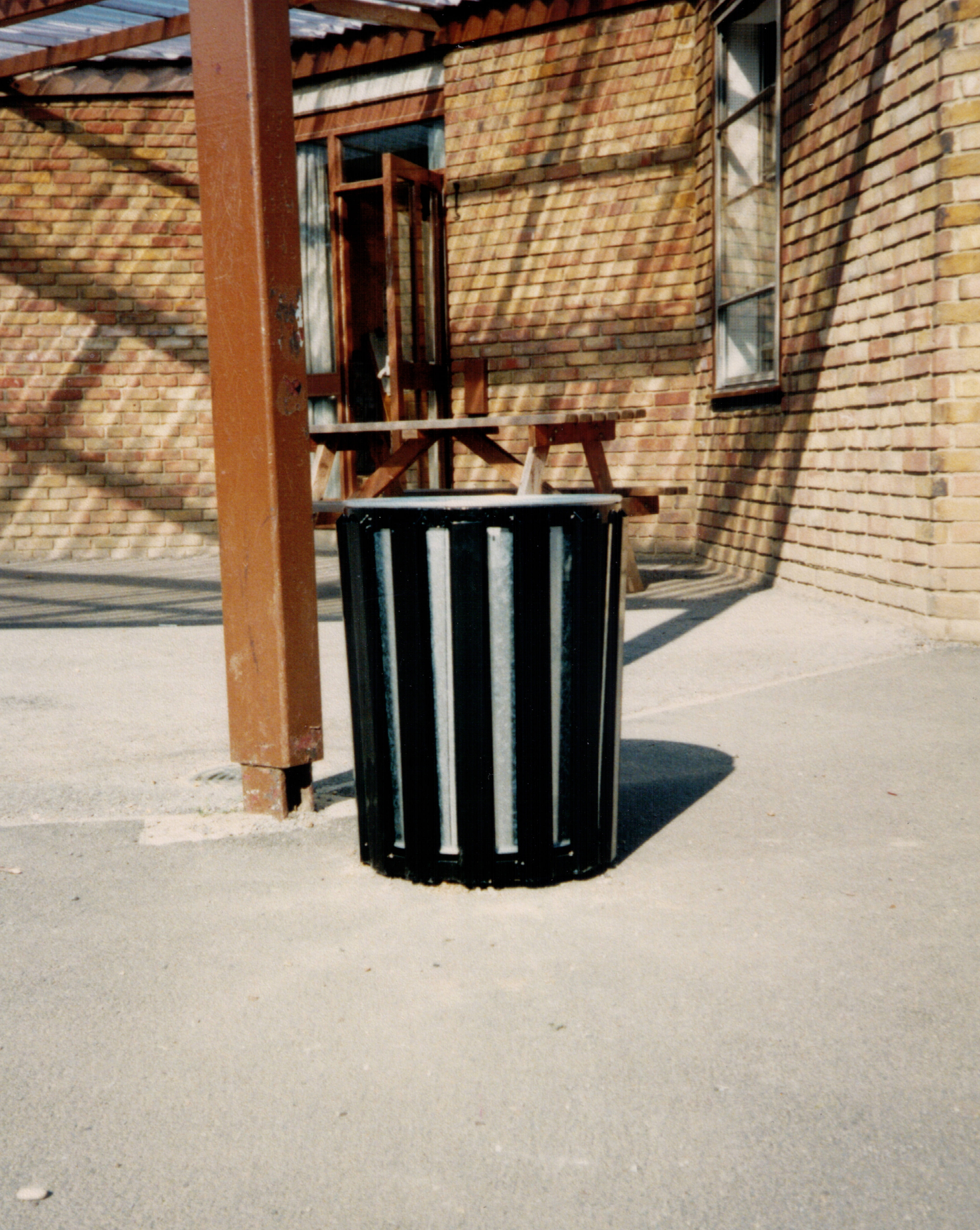 Neptune metal bin (5)