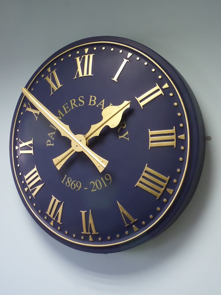 Traditional Clock with return edge