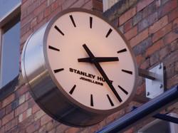Clock outside a jewellers