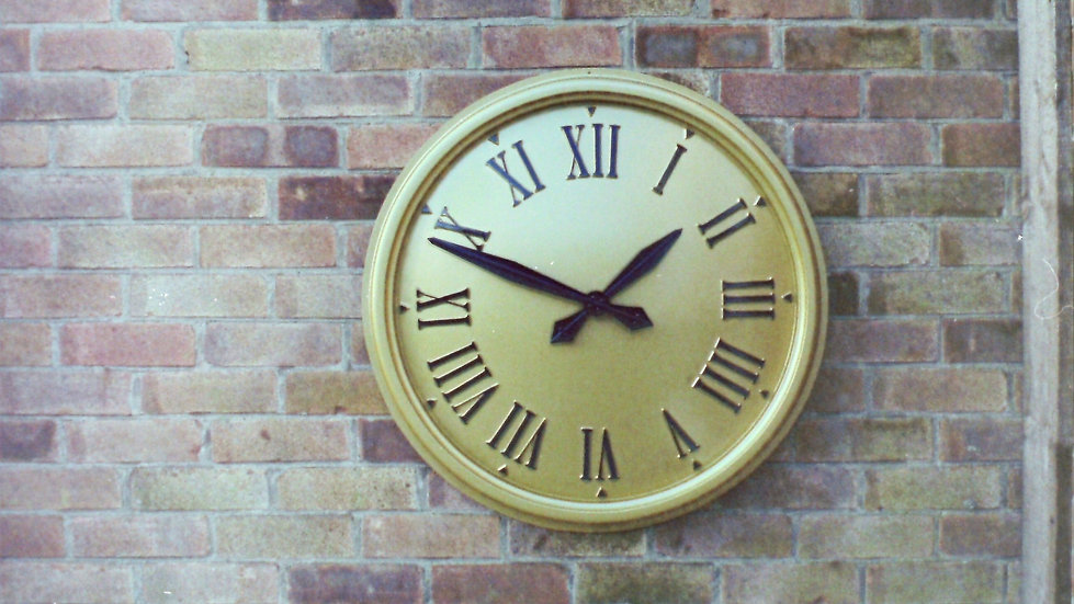 Hampshire style outdoor clock for buildings