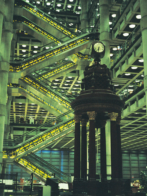 Interior feature clock in Lloyds of London